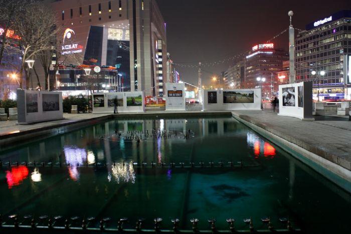 Dışarda Kar Var, Ankara Uykuda